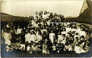 The 1910 Picnic